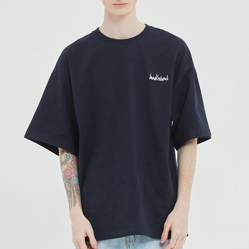 DOCUMENT GRAPHIC TEE_NAVY